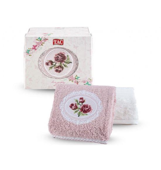 Набор полотенец с вышивкой в коробке Tac Endo 50x90 см 1/2