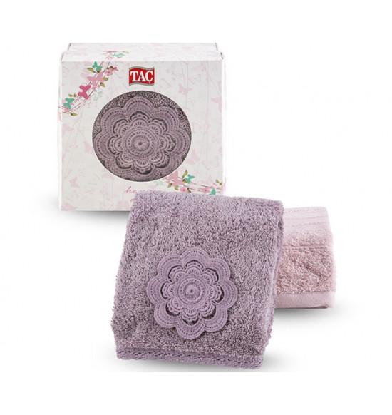 Набор полотенец с вышивкой в коробке Tac Lina 50x90 см 1/2